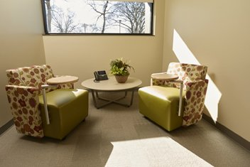 Computer Lounge is a comfortable and quiet place for caregivers to sit and use computer or tablets.