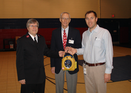 Mercy donates Automated External Defibrillators (AEDs) to non-profit organizations in need in our community. This donation to the Salvation Army in December 2014 was Mercy's sixth since the program launched in October 2014.